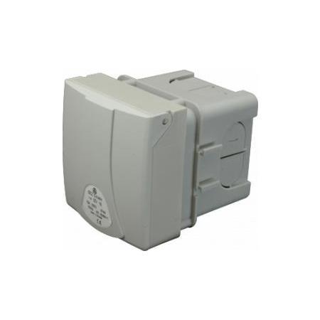 SEZ IZV 16 Zásuvka vestavná 230V/16A IP44