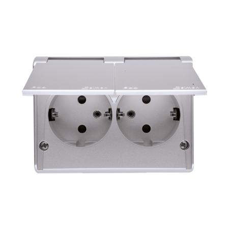 Simon EGSZ2NZB/43 Zásuvka dvojnásobná s clonkami Schuko s IP44 (kompletní výrobek) 16A 250V, šroubové svorky, stříbrná